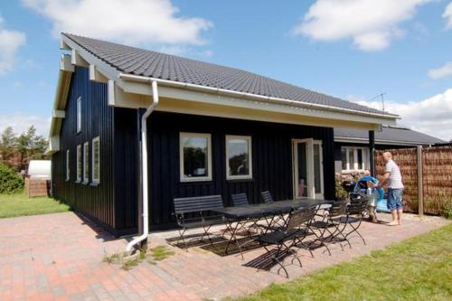 Three-Bedroom Holiday home in Bl�vand 24