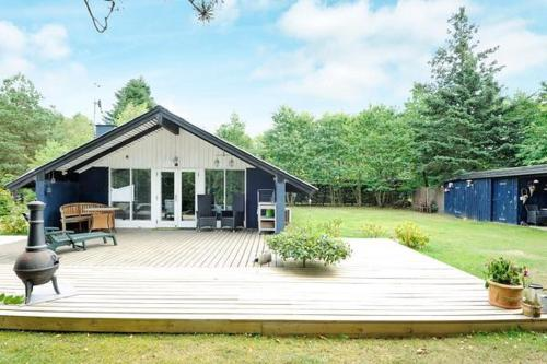 Two-Bedroom Holiday home in F�rvang 2