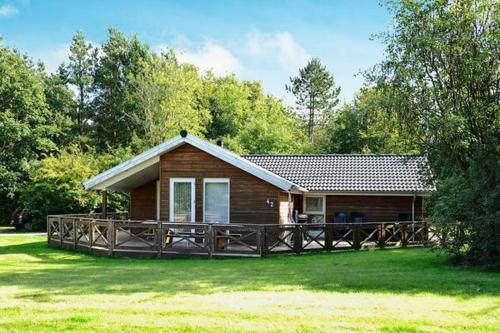 Three-Bedroom Holiday home in Oksb�l 11