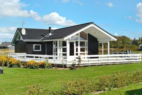Three-Bedroom Holiday home in Hemmet 48
