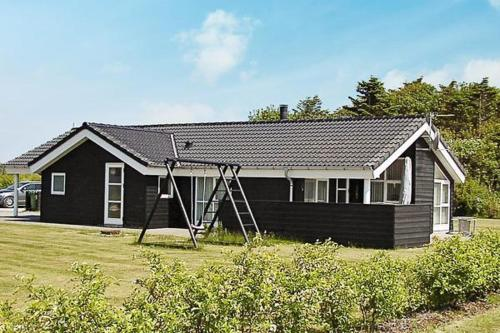 Three-Bedroom Holiday home in Hemmet 51