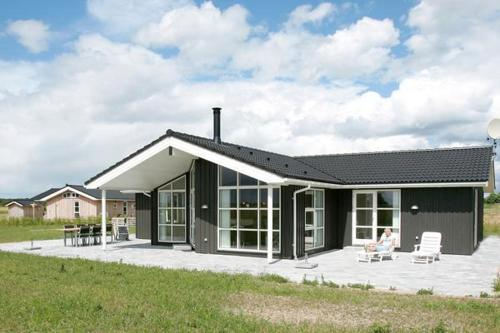 Four-Bedroom Holiday home in Hadsund 12