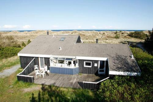 Four-Bedroom Holiday home in Ålbæk 3