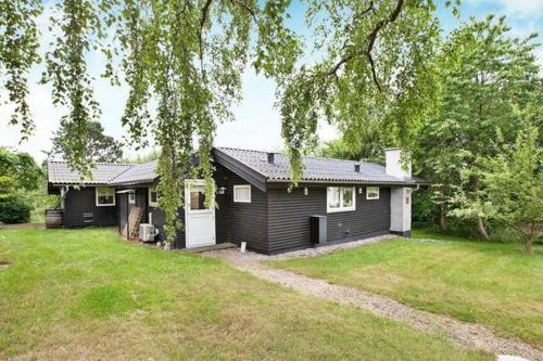 Three-Bedroom Holiday home in Vejby 9