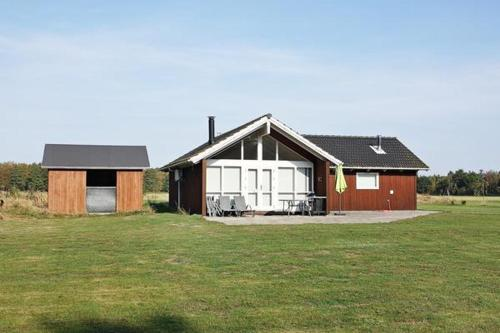 Two-Bedroom Holiday home in Læsø 3