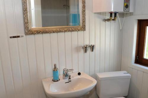 Three-Bedroom Holiday home in Oksb�l 19