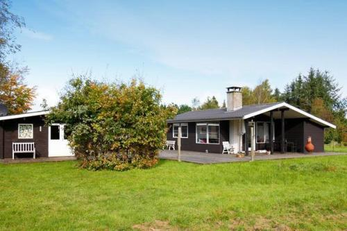 Two-Bedroom Holiday home in Roslev 5