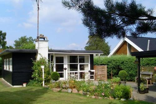 Two-Bedroom Holiday home in Børkop 7