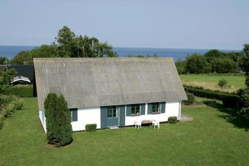 Four-Bedroom Holiday home in Allinge 2