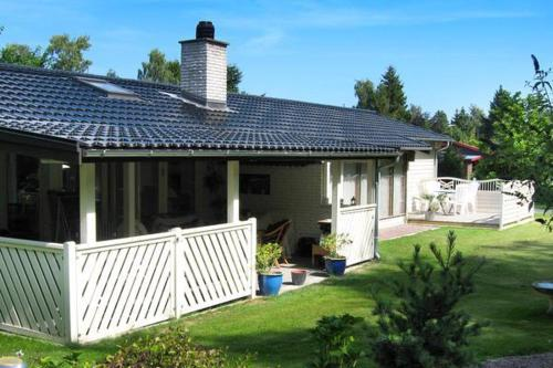Three-Bedroom Holiday home in Strøby 4