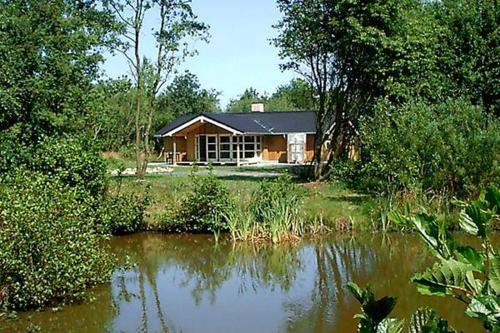 Three-Bedroom Holiday home in N�rre Nebel 3