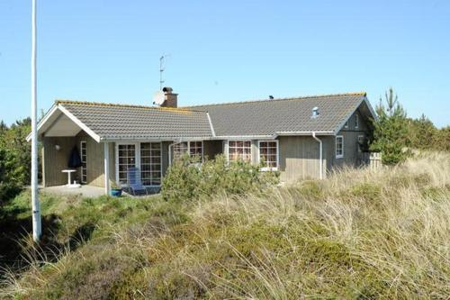 Three-Bedroom Holiday home in Henne 5