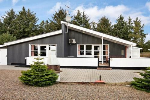Five-Bedroom Holiday home in Vejers Strand 2