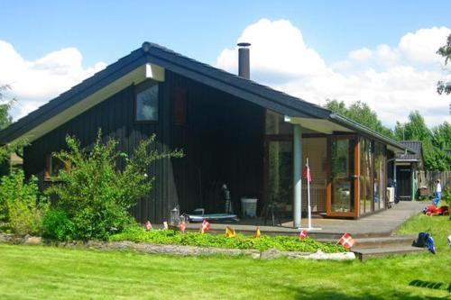 Three-Bedroom Holiday home in Store Fuglede 2