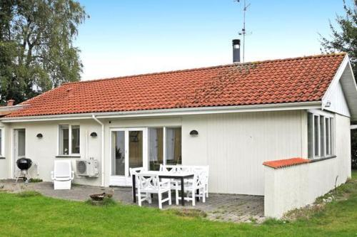 Four-Bedroom Holiday home in Glesborg 18