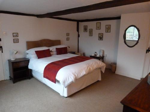 Double Room with Private Bathroom - Ashley