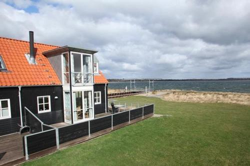 Two-Bedroom Holiday home in Juelsminde 3