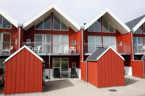 Three-Bedroom Holiday home in L�kken 47