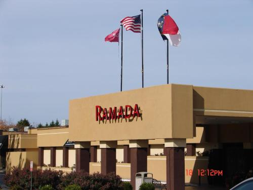 Ramada Charlotte Hotel And Conference Center NC, 28217