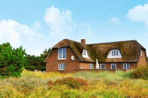 Five-Bedroom Holiday home in Bl�vand 28