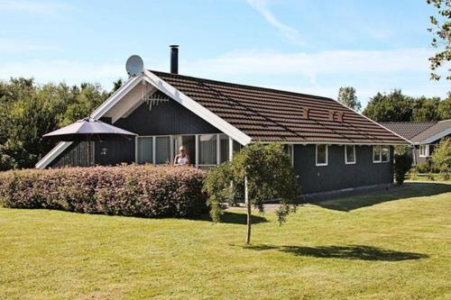 Three-Bedroom Holiday home in Oksb�l 30