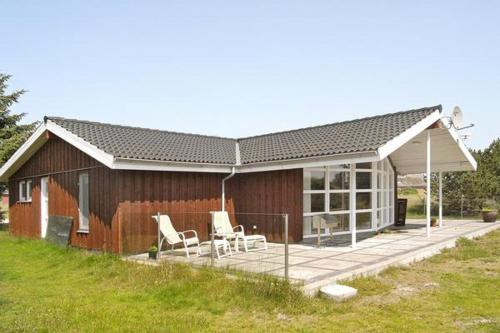 Three-Bedroom Holiday home in Fan� 10