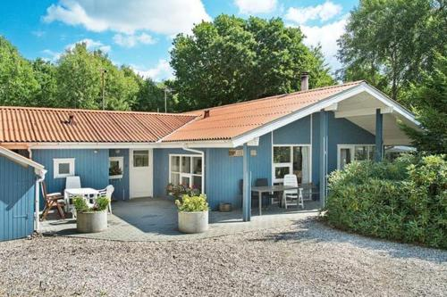 Four-Bedroom Holiday home in Glesborg 9 - фото 29