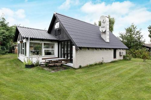 Three-Bedroom Holiday home in Rødby 31