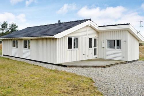Three-Bedroom Holiday home in Ringk�bing 22