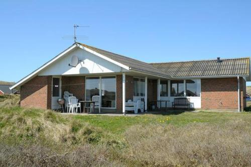 Three-Bedroom Holiday home in Hvide Sande 7