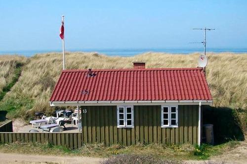 Two-Bedroom Holiday home in L�kken 24