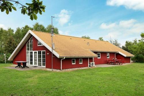 Four-Bedroom Holiday home in Blåvand 51