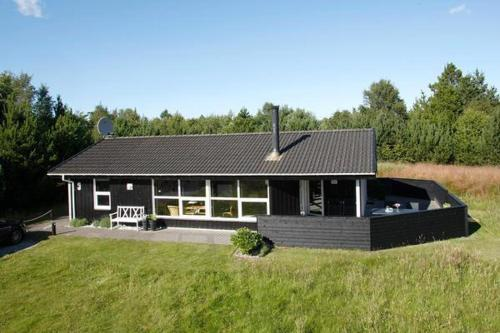 Two-Bedroom Holiday home in Jerup 8