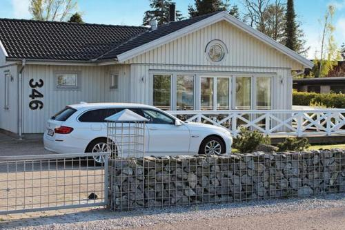 Three-Bedroom Holiday home in Str�by 6