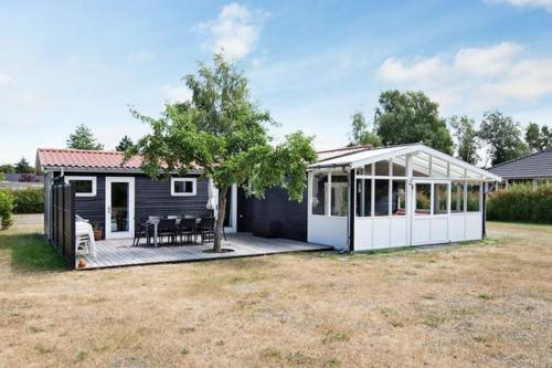 Three-Bedroom Holiday home in Rødby 36