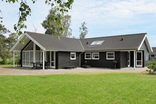 Four-Bedroom Holiday home in Væggerløse 24