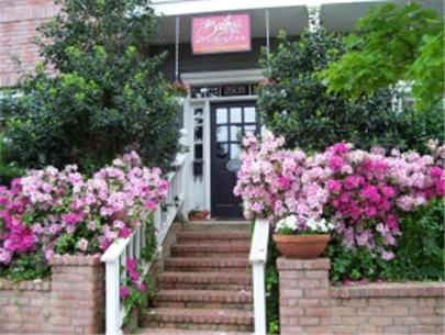 Photo of Bailey's Uptown Inn Hotel Bed and Breakfast Accommodation in Dallas Texas