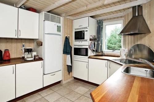 Three-Bedroom Holiday Home Three-Bedroom Holiday home in Saltum 11