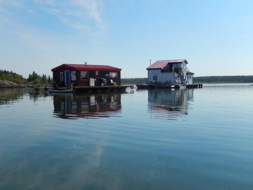 Yellowknife Bay Floating B&B