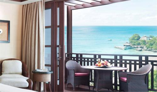 Premier Seaview King Room
