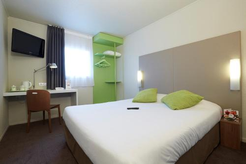 R server un hotel pas cher argenteuil 95100 for Reserver chambre hotel pas cher