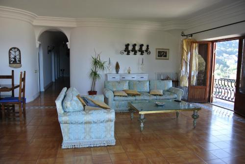 foto La Casa di Circe (Punta Rossa (San Felice Circeo))