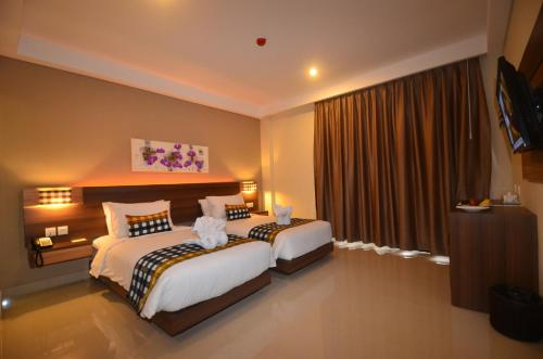 Deluxe Room with 60 minutes Massage for Two Person (1 time)