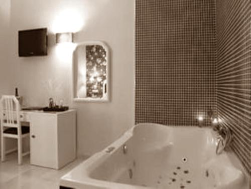 Superior Doppelzimmer mit Spa-Bad (Superior Double Room with Spa Bath)