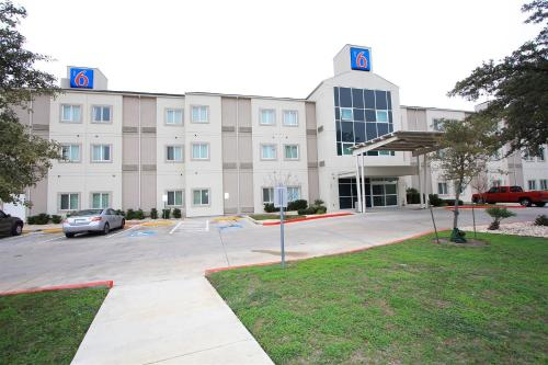 Motel 6 San Antonio Airport - Promo Code Details