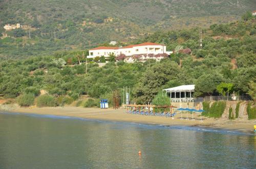Отель Skoutari Beach Hotel 2 звезды Греция