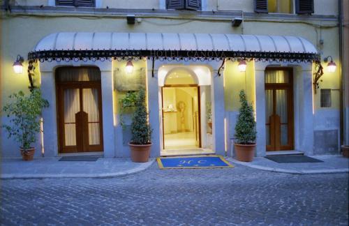 Stay at Hotel Canova
