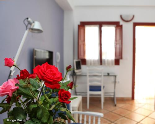 Three-Bedroom Apartment (6 Adults) - single occupancy Hotel Rural El Molino de Felipe 1