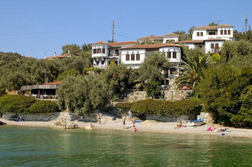 Diplomats Holidays - Chorto Greece