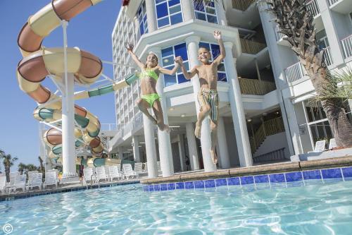 Crown Reef Beach Resort and Waterpark, Myrtle Beach - Promo Code Details